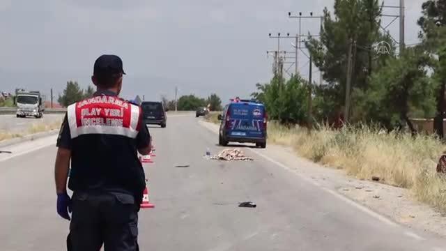 otomobil ile carpisan motosikletteki genc kiz 4 14189559 o - BAKLAN'DA FECİ KAZA 1 ÖLÜ BİR YARALI