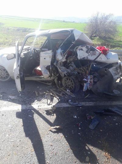 otomobil ile cip carpisti 4 yarali 5 1 - Denizli-İzmir Karayolunda Feci Kaza: 4 Yaralı