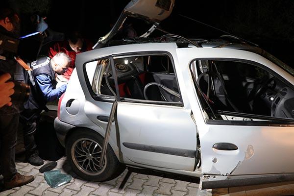 otomobilde cektikleri gaz patladi 3 genc olumden dondu 7980 dhaphoto2 - Otomobilde sıkışan gaz patladı; 3 genç ölümden döndü