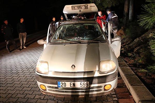 otomobilde cektikleri gaz patladi 3 genc olumden dondu 7980 dhaphoto8 - Otomobilde sıkışan gaz patladı; 3 genç ölümden döndü