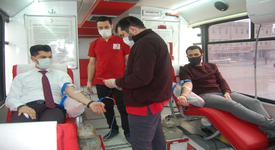 Kilis'te Olea Otel çalışanları kan verdi