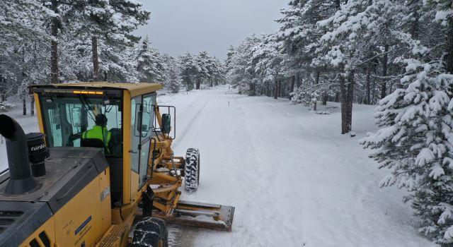 Bursa'da kardan etkilenen 159 mahallenin yolu açıldı