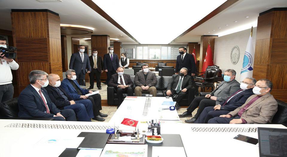 Mehmet Özhaseki'den memleket ziyareti