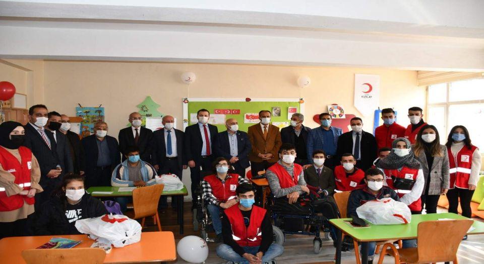 Türk Kızılayı Siirt'te özel öğretim sınıfı açtı