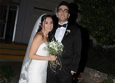 İki düğünle dünya evine girdiler