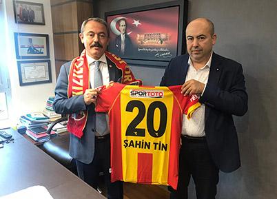 Milletvekili Şahin Tin, Kızılcabölükspor yönetimini misafir etti