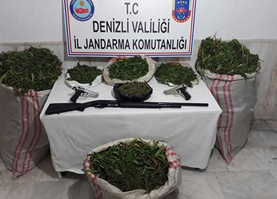 Evinde 25 kilo esrarla yakalanan zanlı tutuklandı