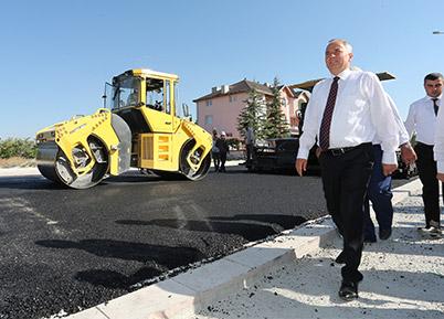 Büyükşehir ile ilçeler daha konforlu yollara kavuşuyor