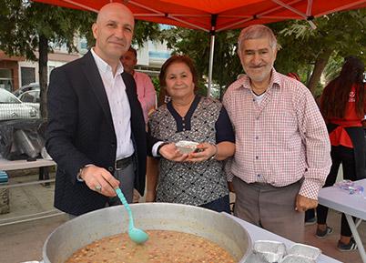Sarayköy Belediyesi'nden 5 bin kişiye aşure hayrı