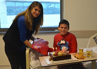 Anaokul Öğretmenlerinden Lösemi Hastası Miniklere Ziyaret