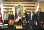 Öğrencilerden Başkan Özbaş'a Teşekkür Ziyareti