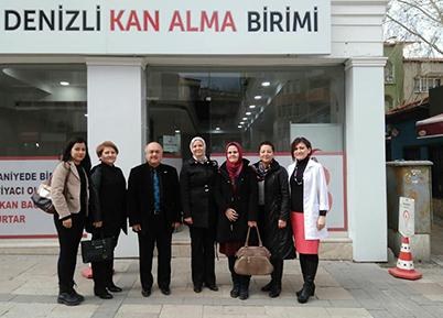 AK Parti Kadın Kolları Kızılay'a Kan Bağışladı