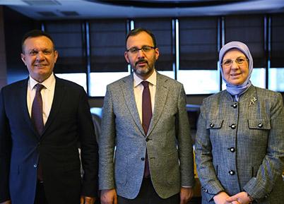 Denizlispor Bakan Kasapoğlu'yla görüştü