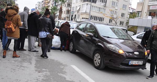 yolun karsisina gecerken kaza yapan otomobillerin arasinda kalarak yaralandi 6446 dhaphoto2 - Kaza yapan otomobillerin arasında kalarak yaralandı