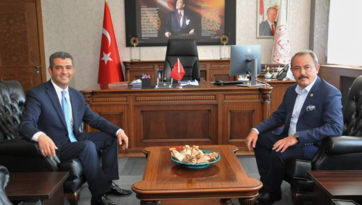 ziyaret4 1 740x420 - Milletvekili Şahin Tin İl Milli Eğitim Müdürlüğünü ziyaret etti.